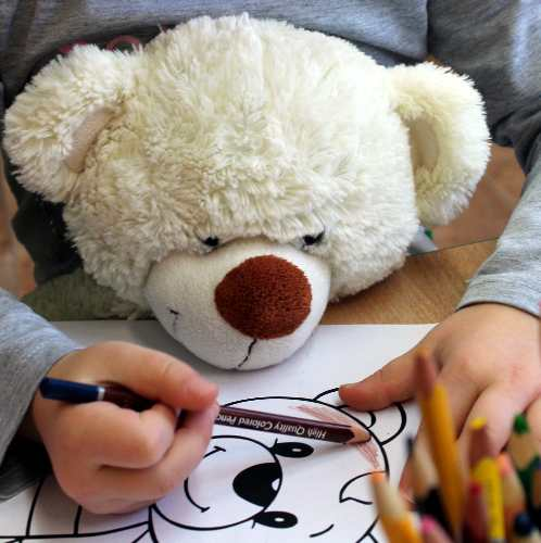 De ce cărțile de colorat pentru copii nu sunt cea mai bună opțiune